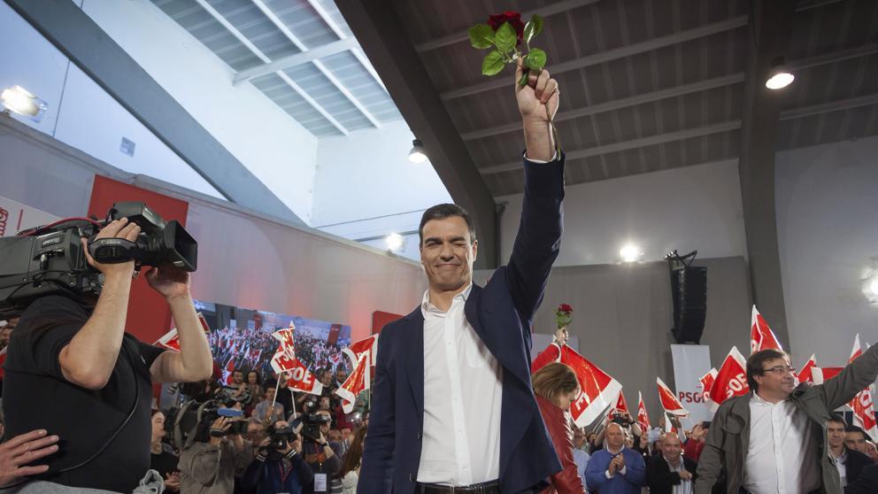 """Sánchez tilda a Rajoy de """"perezoso"""" y le acusa de no querer debatir con otros candidatos"""