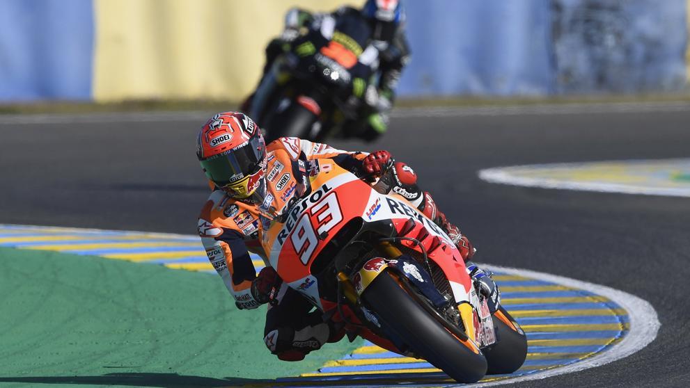 Márquez y  Dovizioso se caen y ceden el liderato a Lorenzo