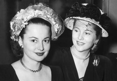 Olivia y su hermana Joan