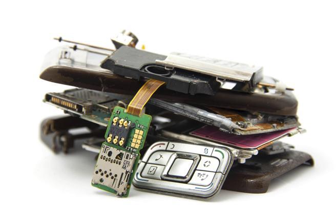 La mayoría de aparatos electrónicos que se convierten en desechos se podrían seguir utilizando.