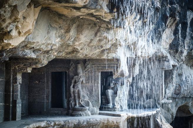 Cuevas de Ajanta en la India, esculpidas en la roca como refugio de monjes budistas