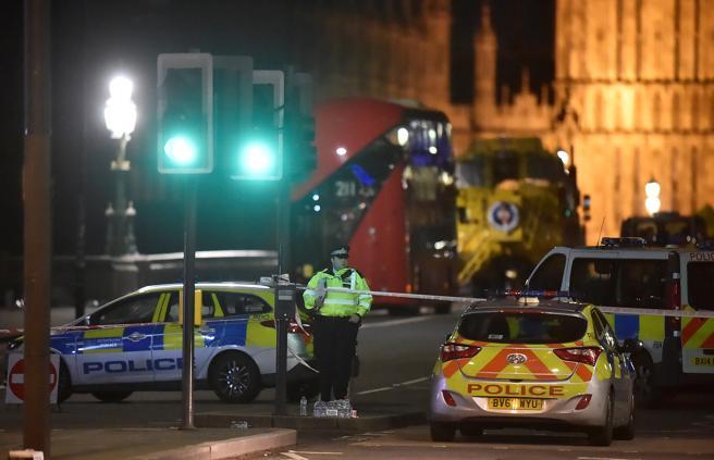 La policía aún no ha confirmado si las detenciones en Birmingham están relacionadas con el ataque en Londres