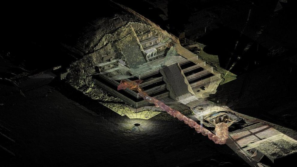 """Los arqueólogos descubren un túnel """"del inframundo"""" bajo la Plaza de la Luna de Teotihuacan"""