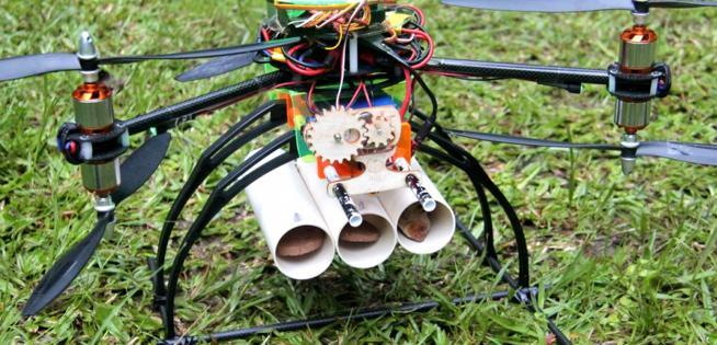 Vehículo no tripulado usado para la reforestación en el proyecto Dronecoria