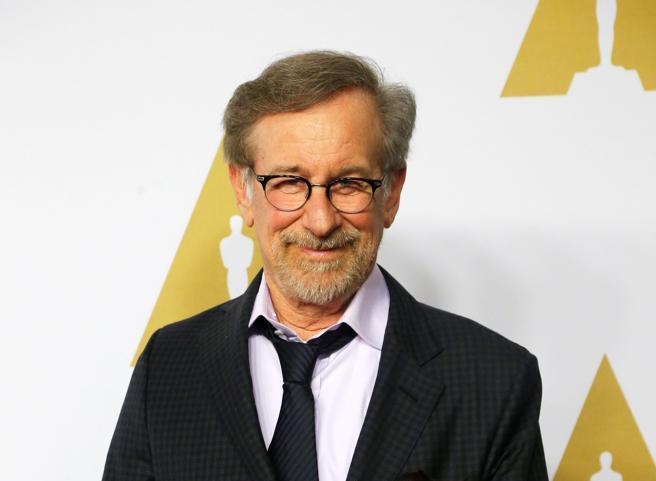 El director de cine Steven Spielberg a su llegada al almuerzo de los nominados a los Premios de la Academia
