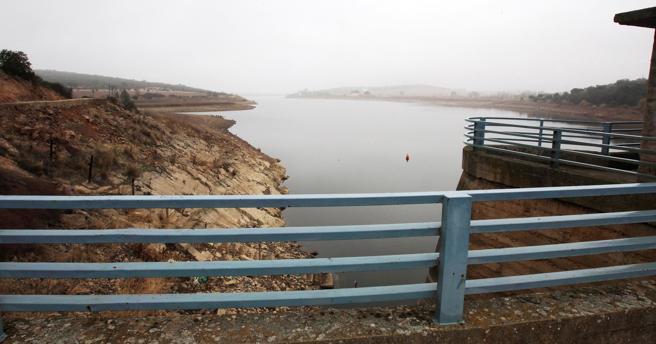 Los embalses de las cuencas hidrográficas del Guadiana y Guadalquivir han seguido descendiendo en el último mes en Castilla-La Mancha, pese a las lluvias que se han registrado en las últimas semanas