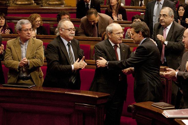Mas al ser investido president de la Generalitat