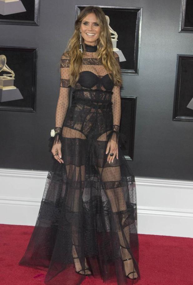 Heidi Klum en la alfombra roja de los premios Grammys