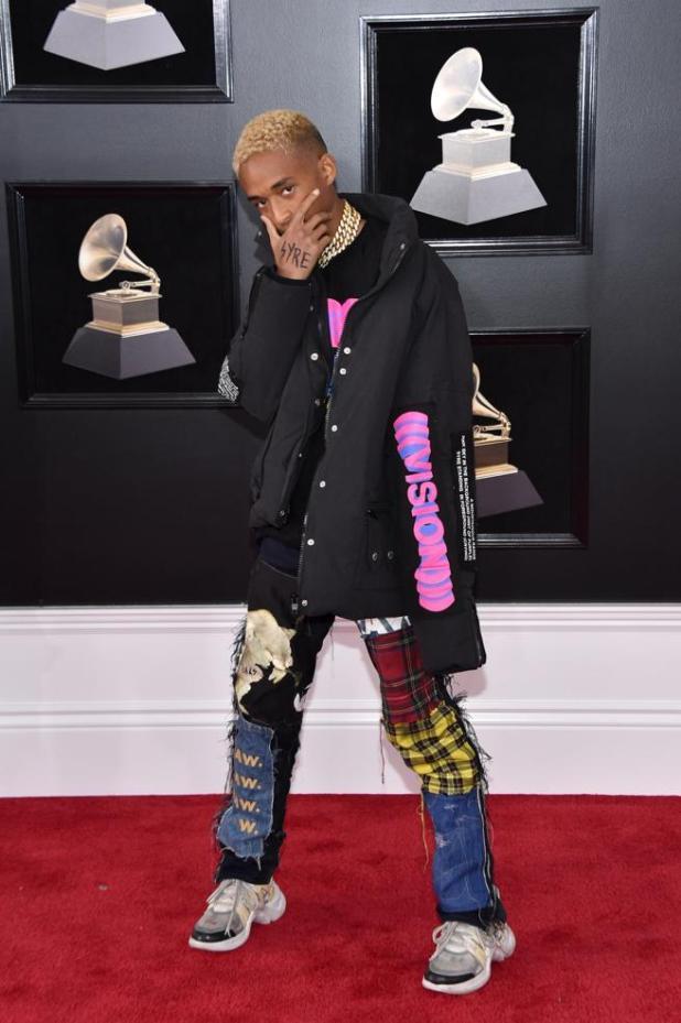 Jaden Smith en la alfombra roja de los premios Grammys