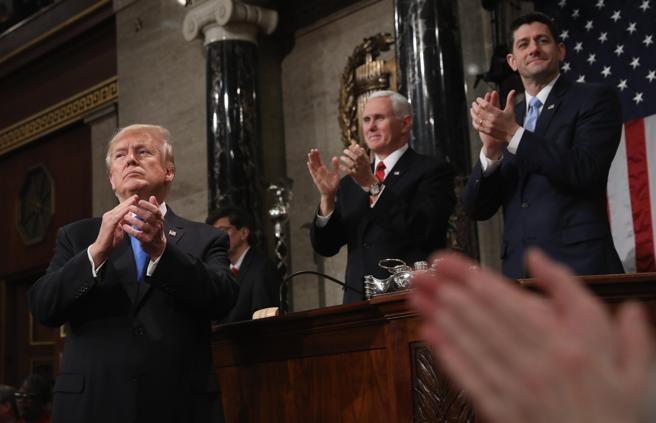 Trump defendió el 'extraordinario éxito' que ha logrado desde que llegó al poder hace un año