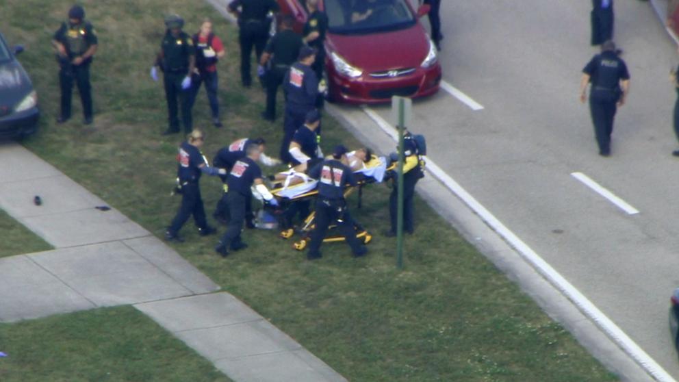 Formaciones del partido de hoy. Tiroteo en Florida: Varios muertos y 20 heridos en un