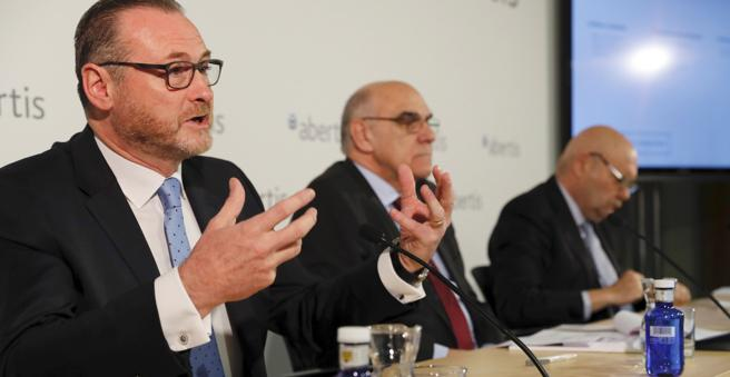 José Aljaro, Consejero Ejecutivo-Director General de Abertis, junto al presidente, Salvador Alemany