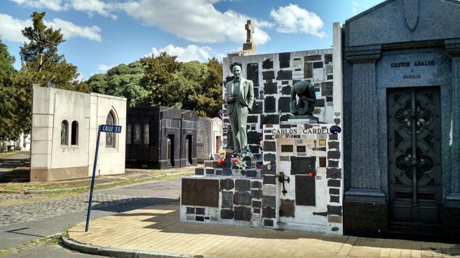 Tumba de Carlos Gardel en el cemenerio de Chacarita, Buenos Aires