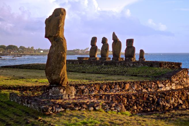 Las Moái, las legendarias estatuas gigantes de la Isla de Pascua