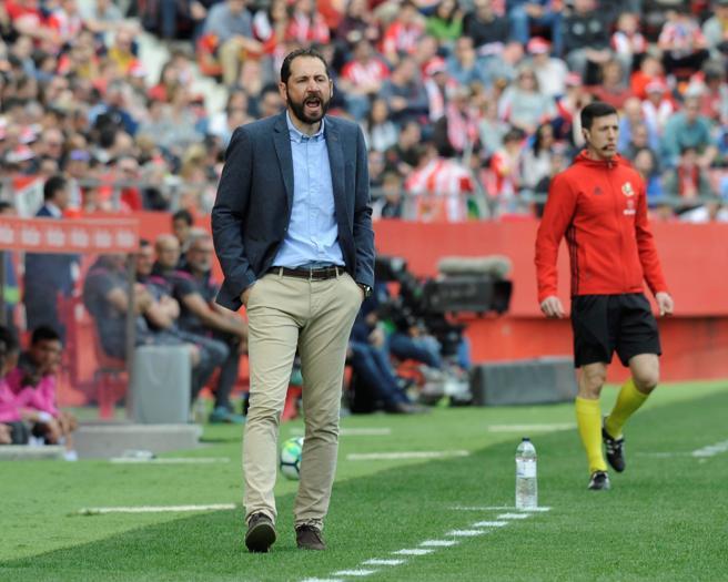 El entrenador del Girona, Pablo Machín, en la banda de Montilivi.