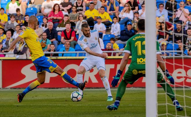 Benzema marcó de penalti pero falló una ocasión muy clara.