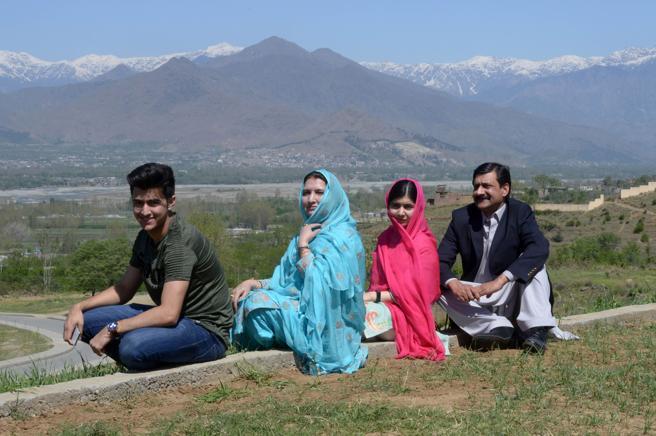 Malala vuelve a Pakistán casi seis años después de recibir el disparo en la cabeza