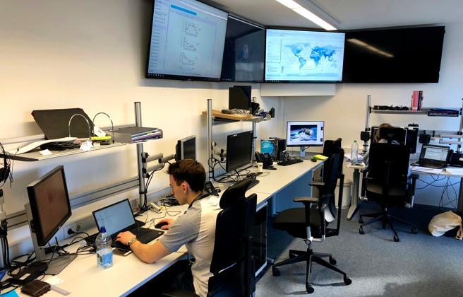 Imagen de investigadores de la ESA el pasado jueves, en Darmstadt, Alemania