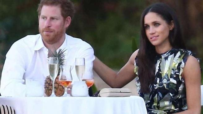 El principe Harry y su prometida Meghan Markle
