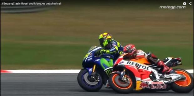 Valentino Rossi tira a Marc Marquez - GP Sepang Malaysia