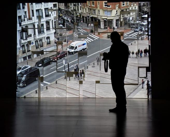 Obra del artista Michael Snow expuesta en el Guggenheim Bilbao