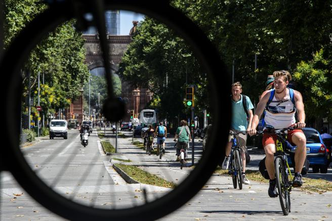 Barcelona celebra la Fiesta de la Bicicleta