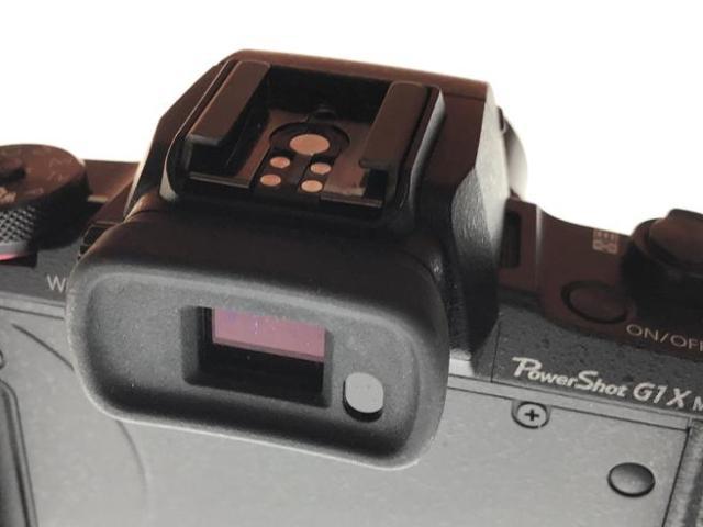 El visor electrónico es una de las funciones más interesantes de muchas cámaras frente a los teléfonos móviles a la hora de encuadrar.