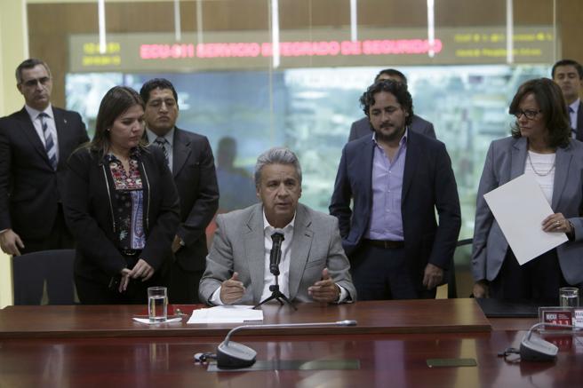 El presidente de Ecuador, Lenín Moreno, ofrece una rueda de prensa