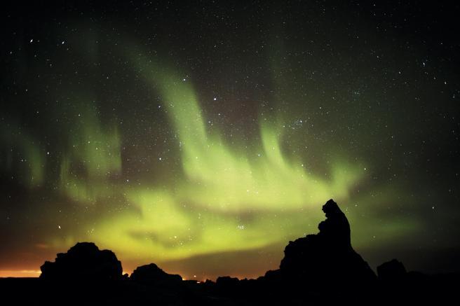 Aurora boreal recogida en 'Islandia bajo cero. 21 historias del frío'