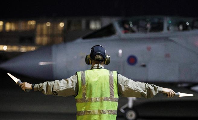 Una vión de la RAF antes de la ofensiva militar