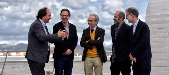 Los directores de los cinco mayores museos de Barcelona conversan en un momento distendido del encuentro
