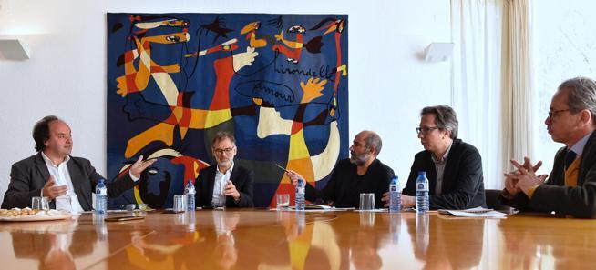 De izquierda a derecha, los directores Pepe Serra (MNAC), Marko Daniel (Fundació Miró), Carles Guerra (Fundació Tàpies), Ferran Barenblit (Macba) y Emmanuel Guigon (Museu Picasso)