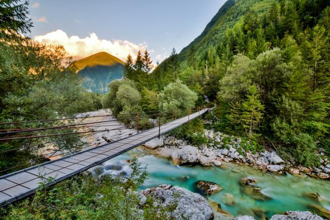 Cauce del río Soca a su paso por el parque nacional de Triglav (Eslovenia)