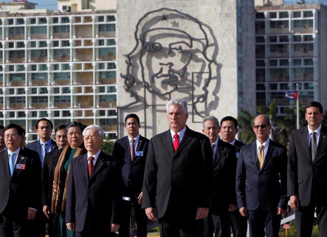 El vicepresidente Díaz-Canel con el secretario general del Partido Comunista de Vietnam, Nguyen Phu Trong