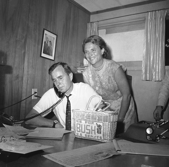 George y Barbara Bush en 1964, cuando el republicano se presentaba a senador