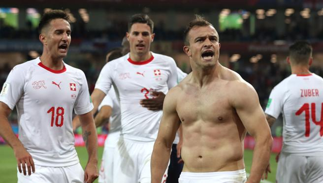 Xherdan Shaqiri celebra el segundo gol de Suiza