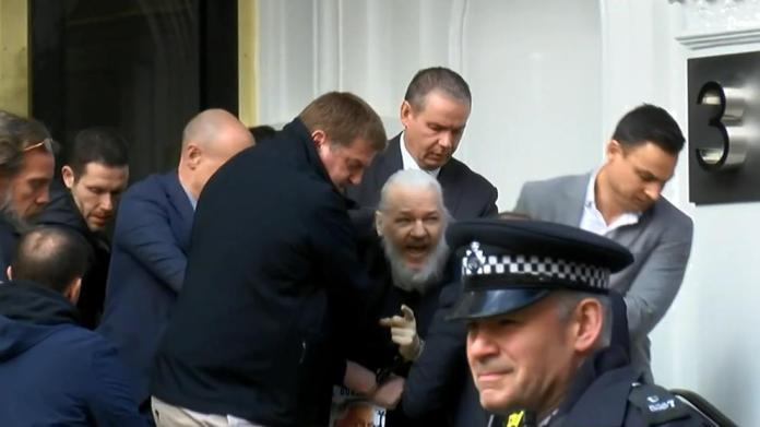 Resultado de imagen para assange detenido