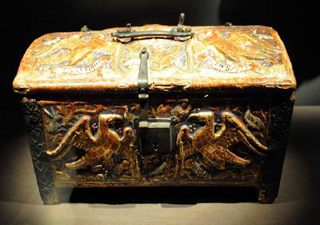 Holzkiste aus dem 14. Jahrhundert aus Buira, ausgestellt im Museum von Lleida