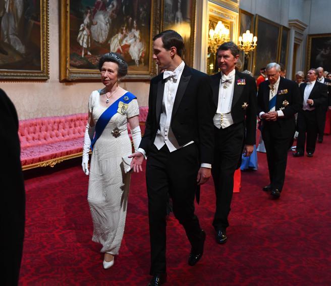 La princesa Ana y Jared Kushner, marido de la hija del mandatario estadounidense Ivanka Trump.
