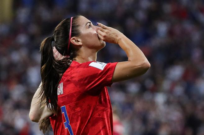 Alex Morgan celebrates her goal against England in the World cup semifinal France
