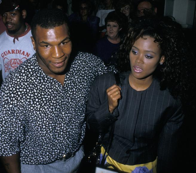 Mike Tyson and actress Robin Givens, in July of 1988, when the relationship between them as was water