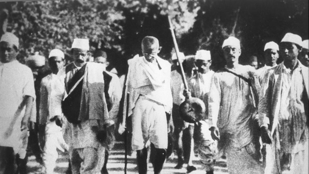 HACE 90 AÑOS. Gandhi contra el Imperio