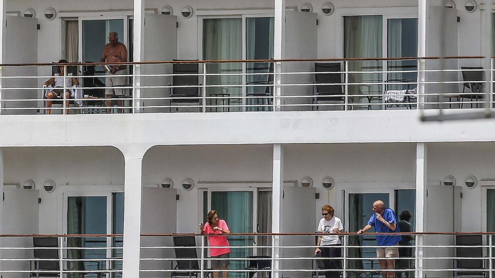 Tres españoles y el resto de ocupantes de un crucero en Brasil ...