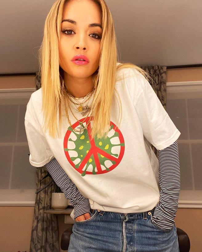 Rita Ora with the t-shirt in solidarity