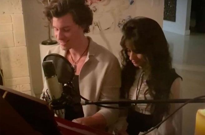 Camila Cabello with Shawn Mendes for his performance in the macro-concert in solidarity of a Global Citizen