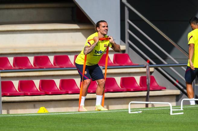 Antoine Griezmann training outside the group this Tuesday