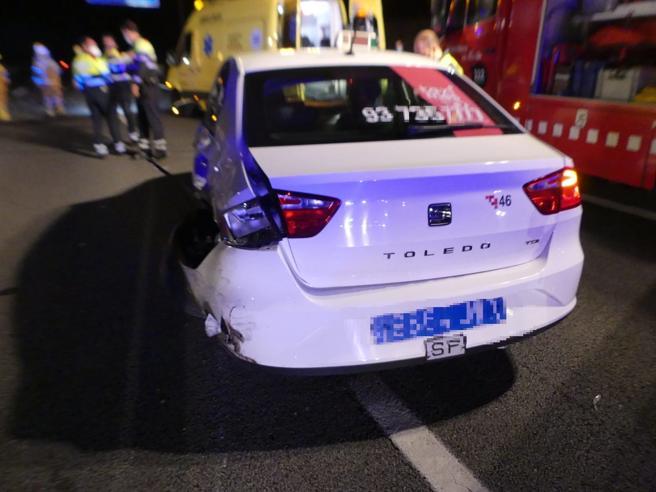 Uno de los turismos implicados en el accidente múltiple.