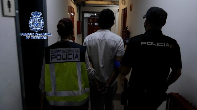 El fugitivo detenido por la reclamación de Alemania, en el interior de dependencias policiales