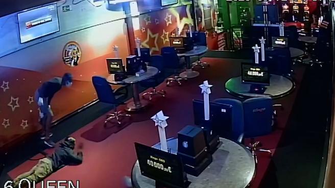 Detención espectacular de una banda durante el atraco a un mini casino en Tenerife