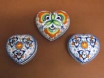 Scatole Cuore in ceramica con decori tradizionali